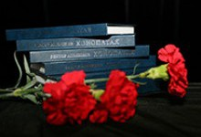 И был Поэт: памяти Виктора Апекишева