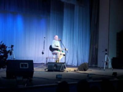 Алексей ИВАЩЕНКО: «Бард на сцене совершенно голый, ему не за что спрятаться»
