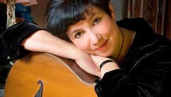 Бард Вероника Долина: Стихи под гитару как профессия и призвание исчезли с лица земли