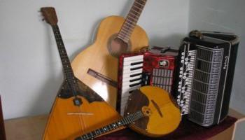 Почему гитара сегодня популярней, чем баян